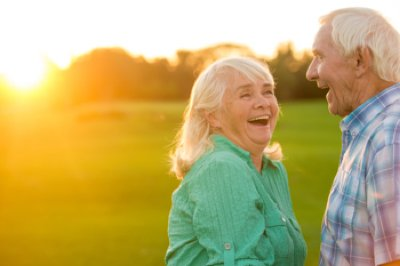 16-shutterstock-free-senior-couple-laughing-web